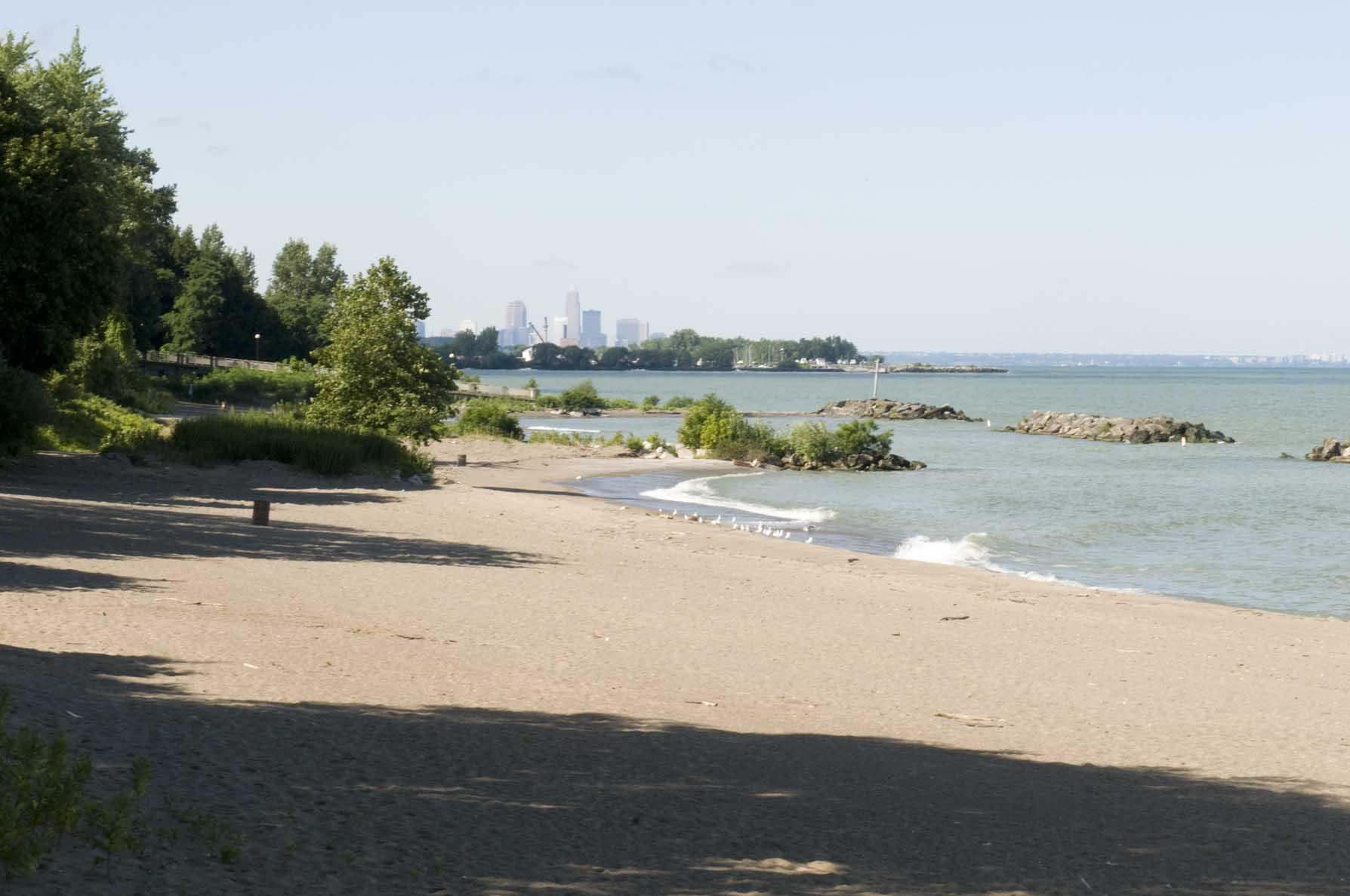 EXPLORE THE LAKE ERIE SHORE AT CLEVELAND METROPARKS