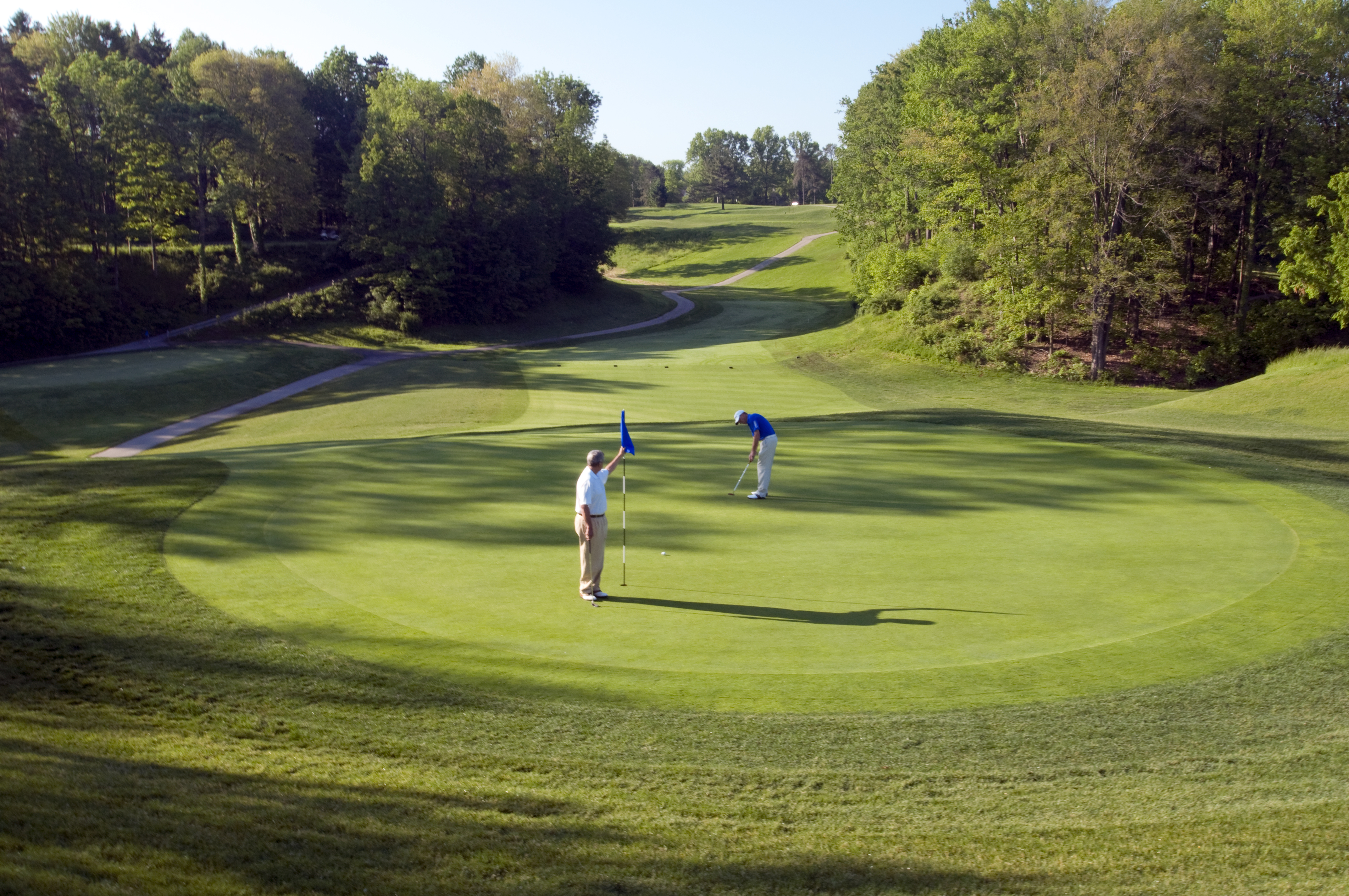 Get competitive at Cleveland Metroparks golf tournaments this season