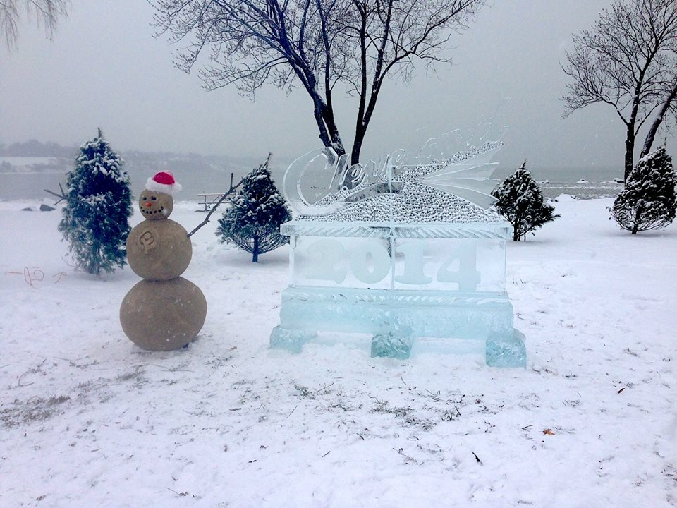 CLEVELAND METROPARKS WELCOMES THE NEW YEAR AT EDGEWATER PARK