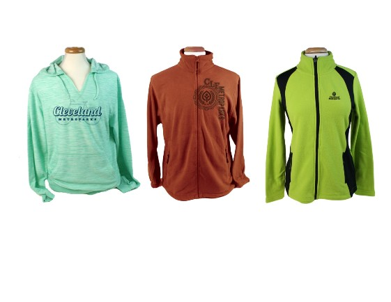 PURCHASE CLEVELAND METROPARKS APPAREL FOR HOLIDAY GIFTS AT TWO MALL KIOSKS