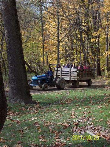 CLEVELAND METROPARKS WELCOMES FALL WITH CHALET HAYRIDES
