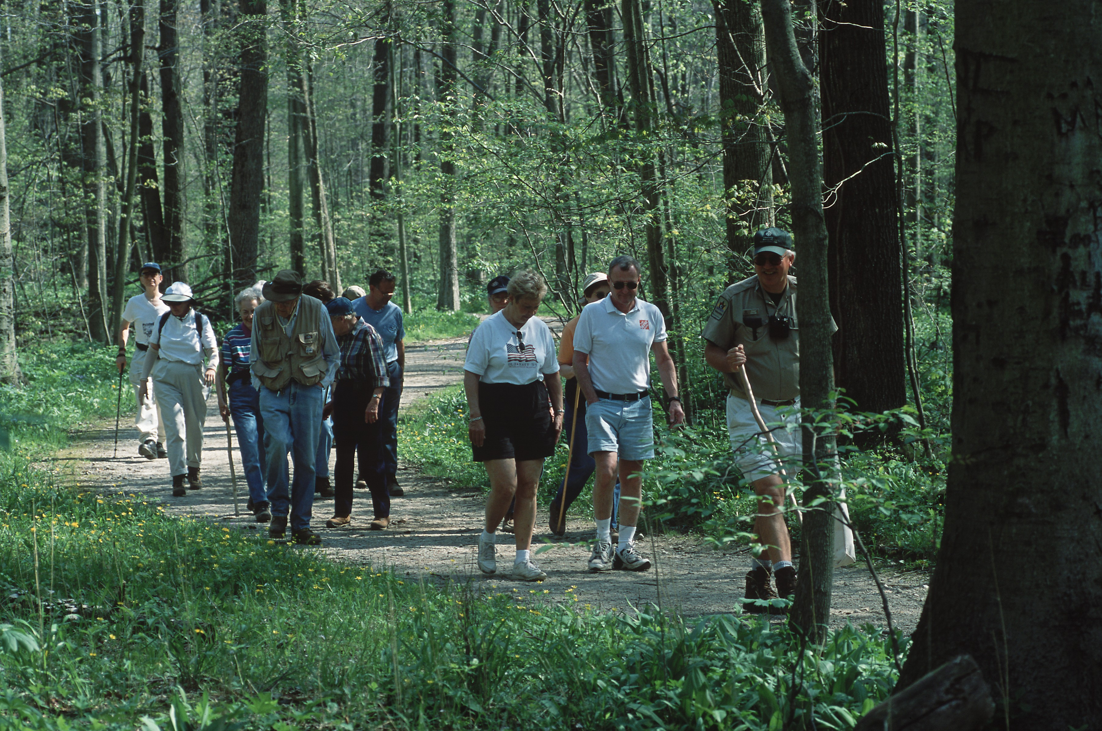 ON THE PATH TO BETTER LIVING IN CLEVELAND METROPARKS...WALKING WORKS