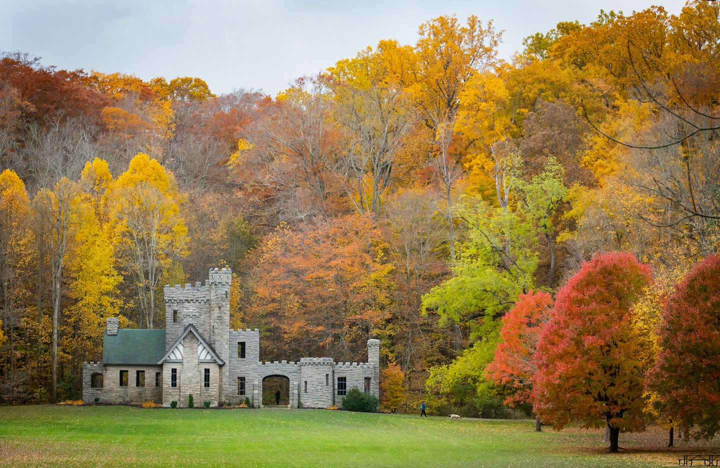 Cleveland Metroparks to Host Raise the Roof Fundraiser to Benefit Historic Squire's Castle
